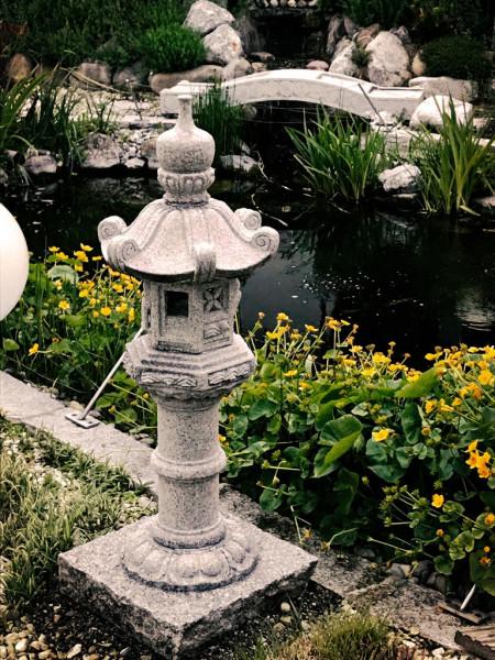 Japanische Steinlaterne 'Kasuga'