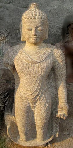 Stehender Buddha aus Sandstein - 90 cm