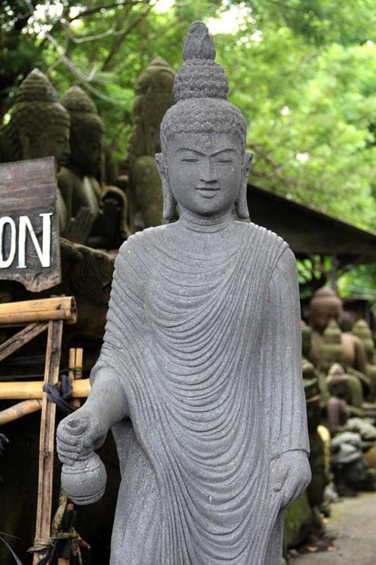 buddha-mit-gewand