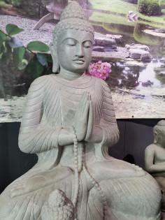 Sitzender Buddha aus Riverstone - 150cm