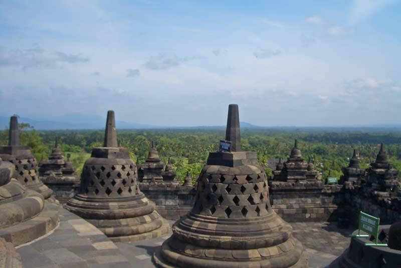 Borobudur-Tempel-Steinfigurensho2
