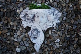 Bepflanzbarer Kopf im Jugendstil