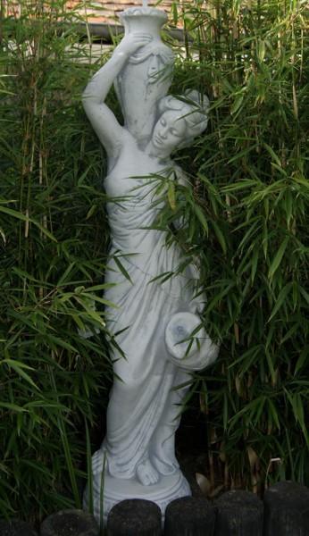 Frau mit zwei Krügen - 119cm