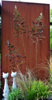 Wand aus Cortenstahl - Gartendeko