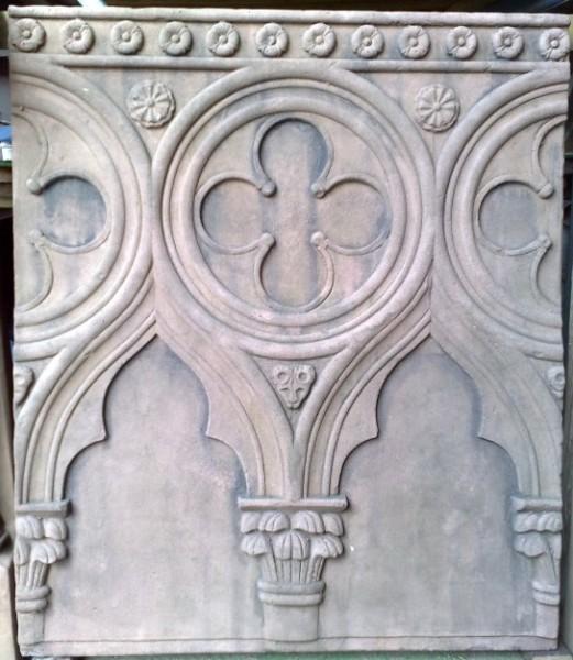 Gotisches Relief groß
