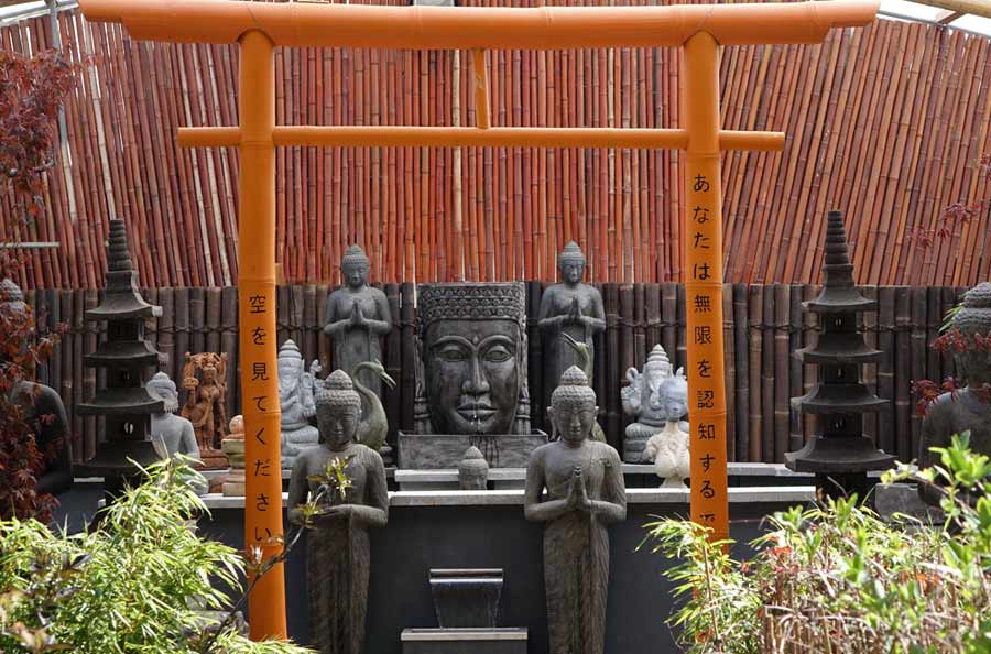 Steinfiguren kaufen // Steinfiguren und Buddhas für Haus und Garten ...