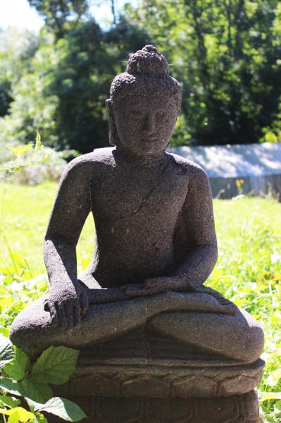 Buddha mit Gewand auf Lotusblume 60cm
