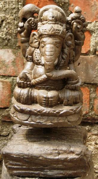 Ganesha auf Sockel
