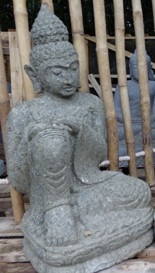 Buddha mit angewickelten rechten Knie