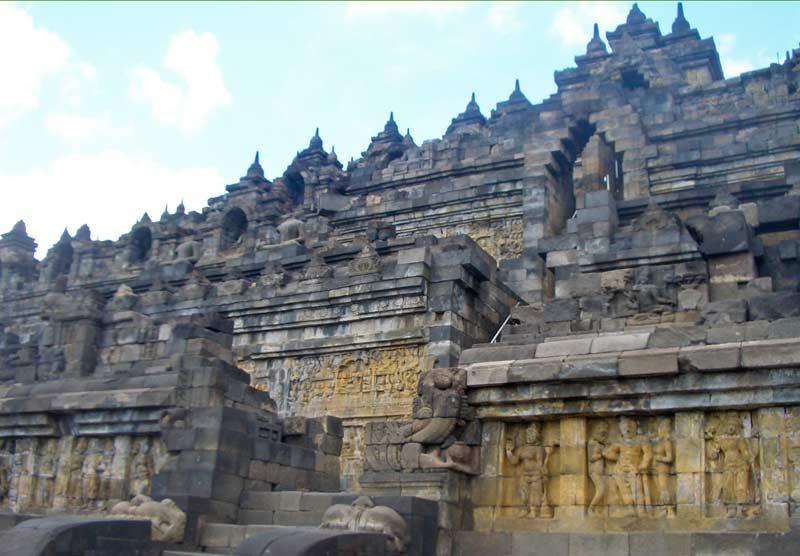 Borobudur-Tempel-Steinfigurensho3