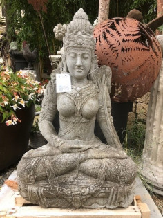 Dewi Tara sitzend - 84cm