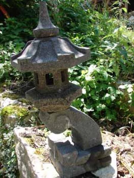 japanische deko für garten japanische steinlaterne rankei asiatische steinlampen