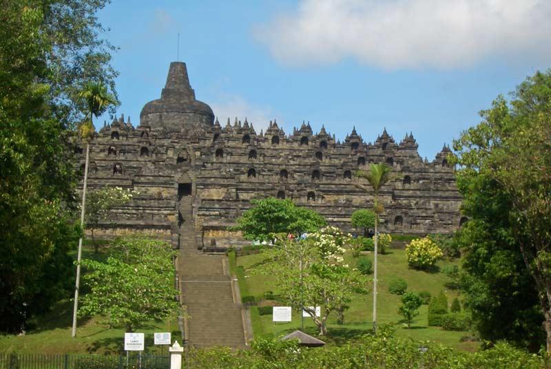 Borobudur-Tempel-Steinfigurensho1