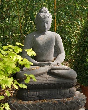 buddha-sitzend-grau