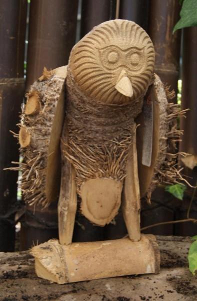 Eule aus der bambuswurzel bambus tiere garten deko for Steinfiguren garten tiere