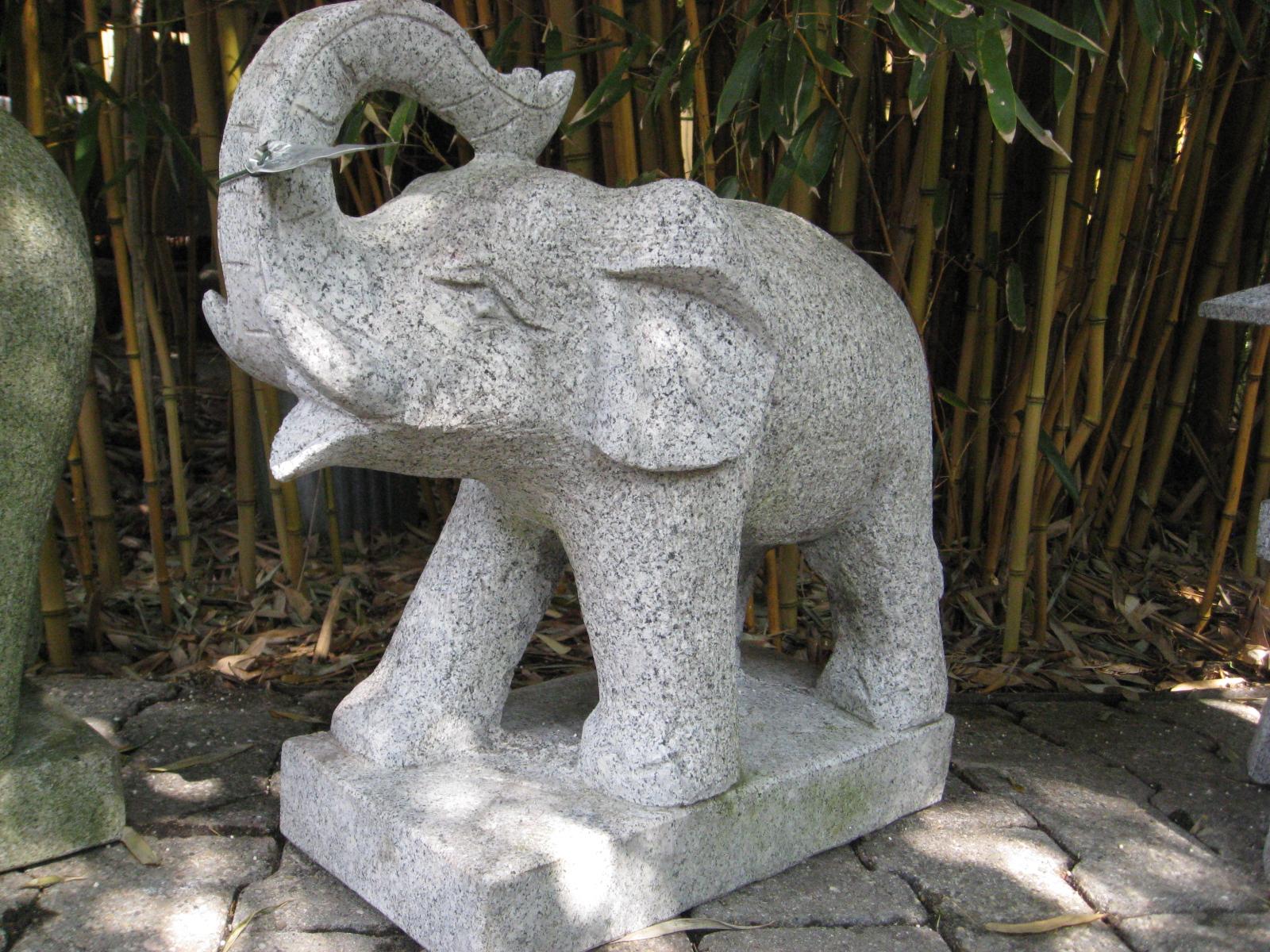 Granitelefant mit r ssel nach oben steinfigurenshop for Asiatische deko garten